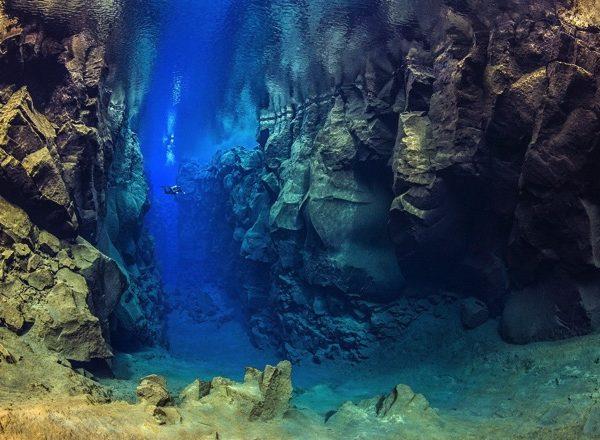Diving silfra iceland 3