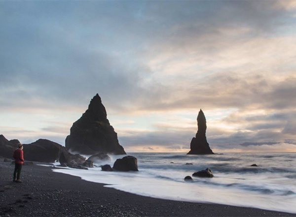 iceland Reynisfjara black sand beach