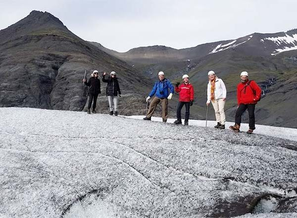 glacier walk iceland hali 7