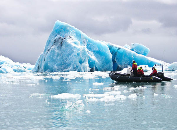 iceland glacier lagoon boat
