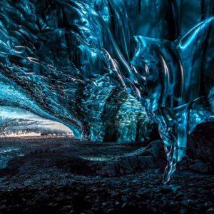 2000x1333_ice_caves_crystal_cave_gallery_2_einarolafurmatthiasson-1024x682