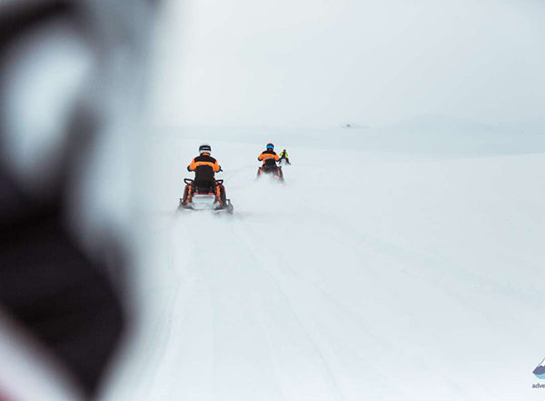 Snowmobiling-tour-Langjokull-glacier-Iceland85-1200x800