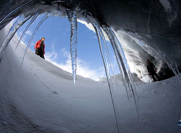Snowmobiling-tour-langjokull-glacier-iceland-4-1200x800